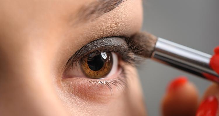 classy brown smoky eye