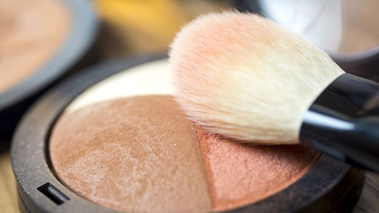 How to Apply Bronzer, Blush And Highlighter