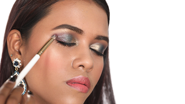 easy-eye-makeup-tricks-for-diwali-1