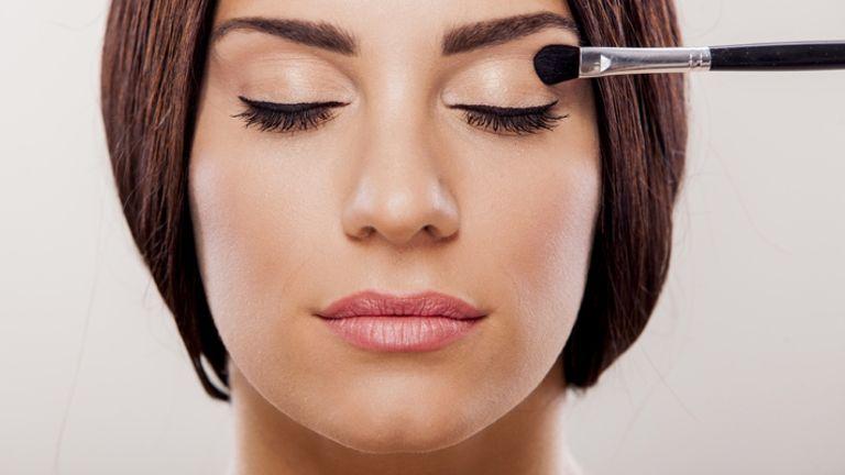 Mastering Minimal Makeup Look for Summer