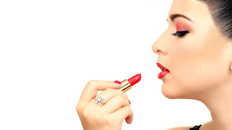 multiple-uses-of-lipstick