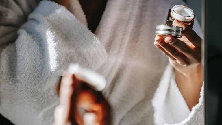 Beauty Basics: 6 Benefits Of Applying A Moisturiser