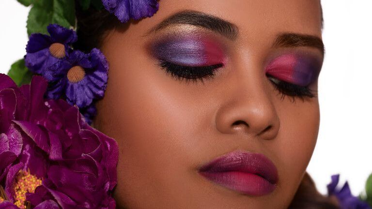 GO POPPIN' WITH BOLD & BRIGHT EYESHADOWS