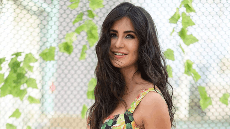 KATRINA KAIF ADDED A SURPRISING NEW SHADE TO HER EYE MAKEUP | DANIEL BAUER