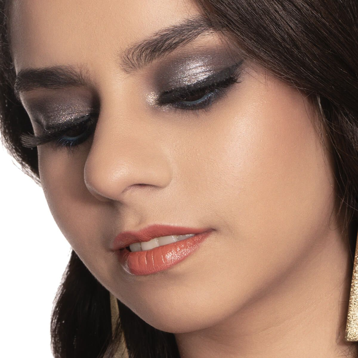 GOLDEN GLOBES 2020: Winnie Harlow's Makeup Look