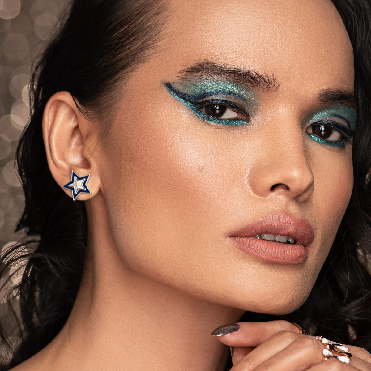 Manish Malhotra Glitter Eyeliner for glitter makeup