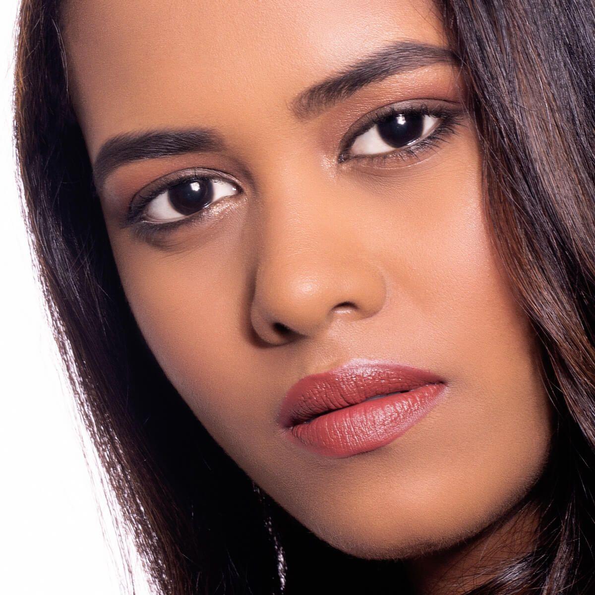 Alaya Furniturewalla'S Makeup Look In Jawaani Jaaneman