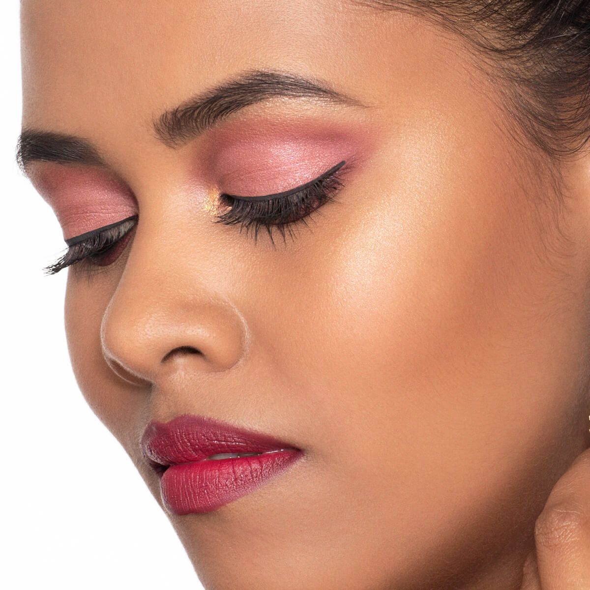 How to Get Navratri Makeup Look with Maroon Colour