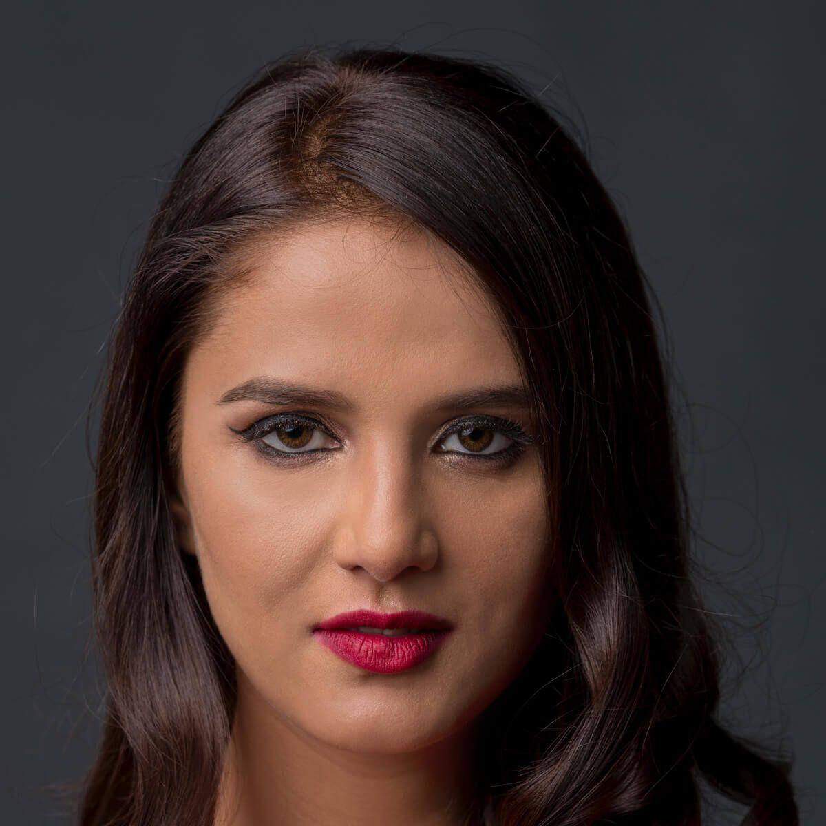 Shipra Khanna's Cat Eyes Like Makeup Look