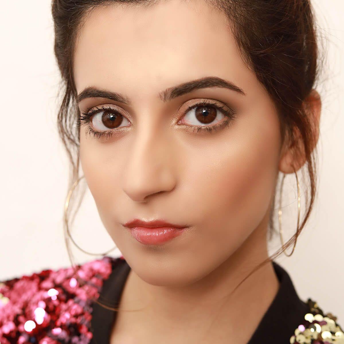 Gloss & Shine Makeup Look -  Glossy Lips & Bold Brows