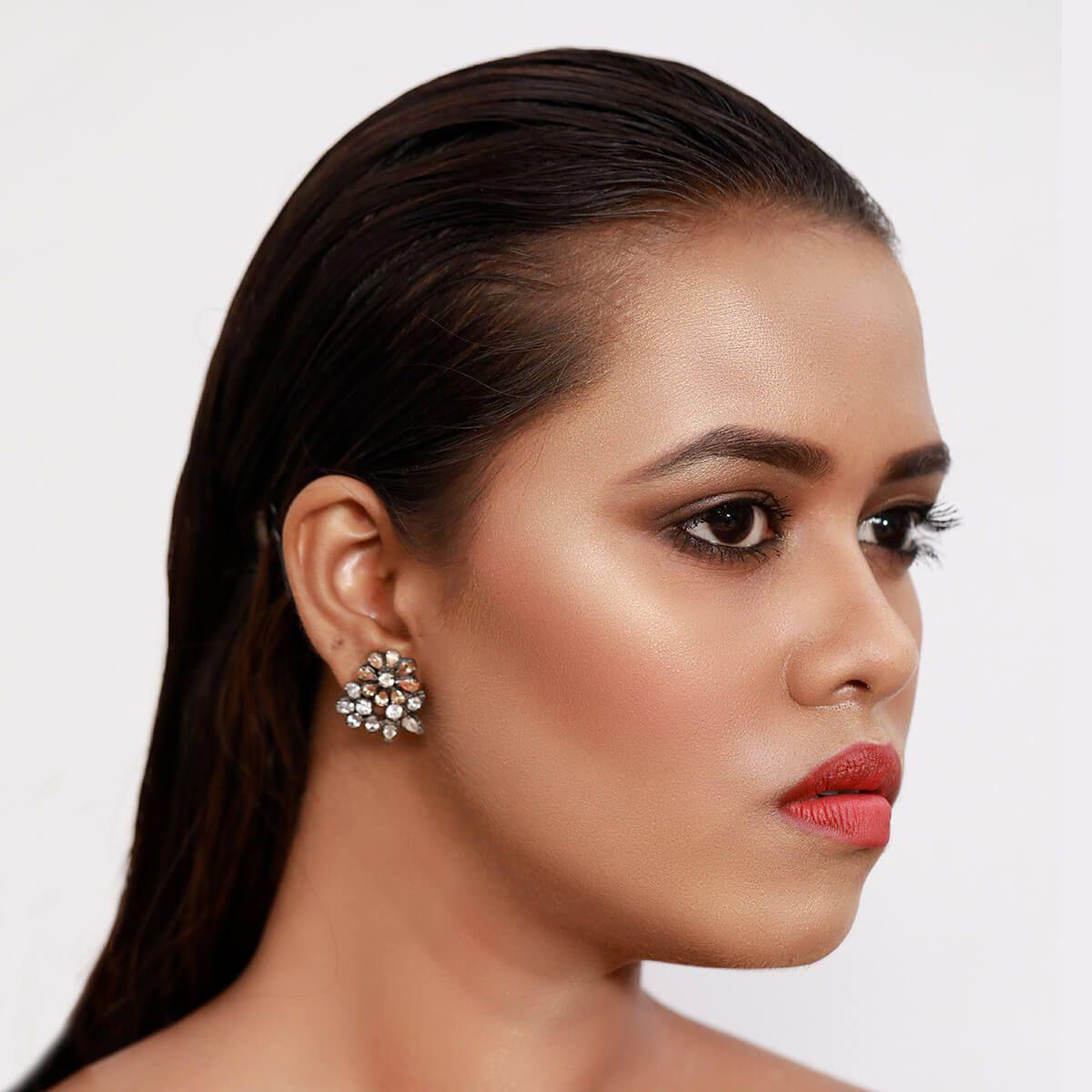 Shining Diva - Red Carpet Makeup Look
