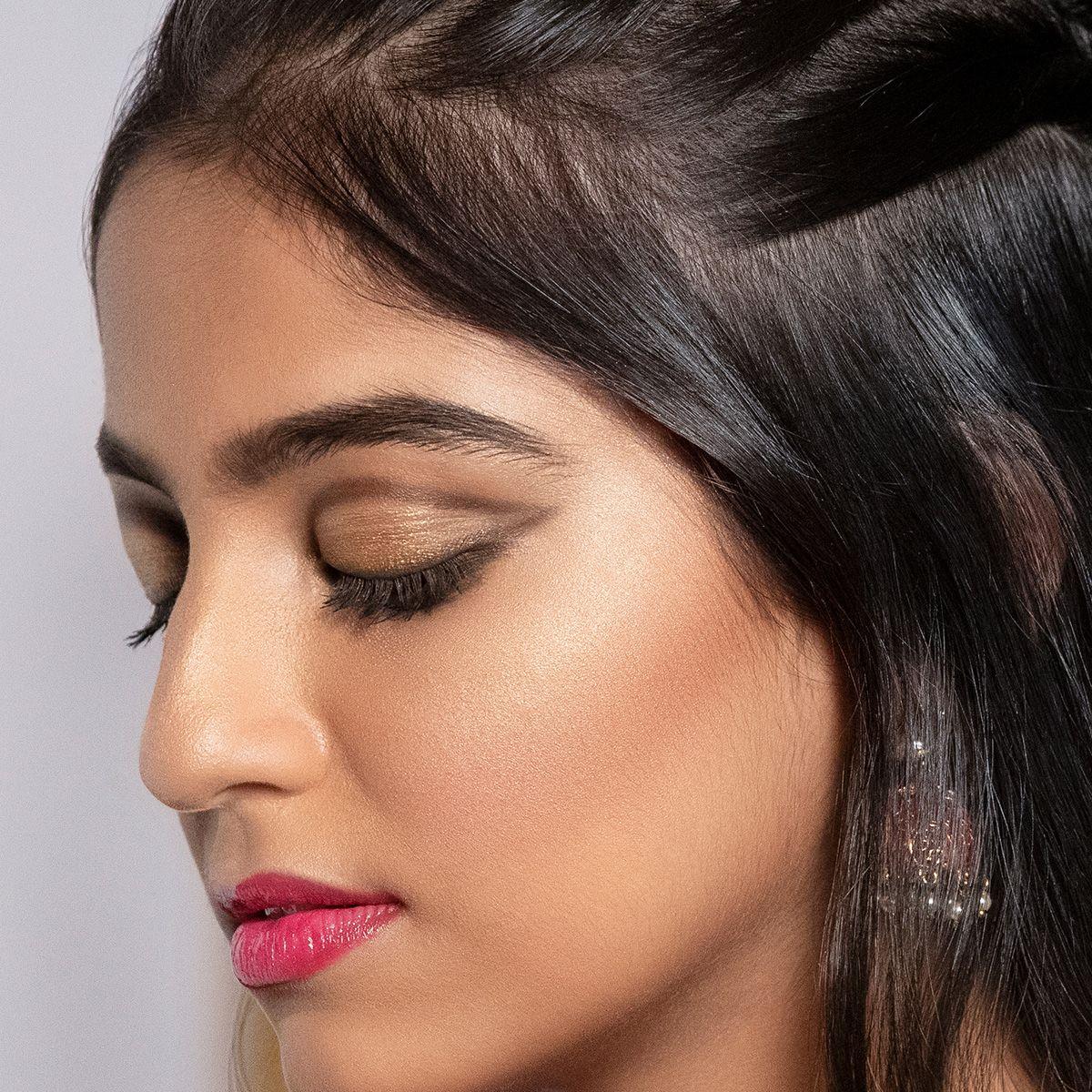 How to Do Wedding Makeup